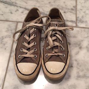 CONVERSE 🌟 Grey Low Top Sneakers